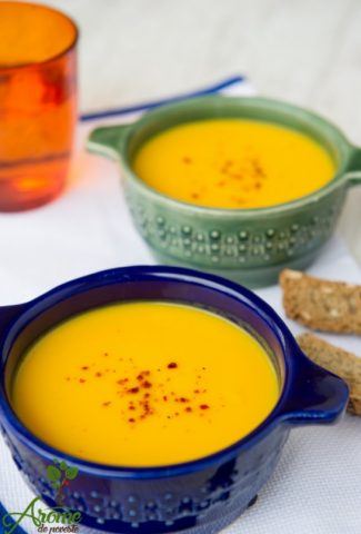 supa-crema-delicioasa-cu-ghimbir-si-morcovi