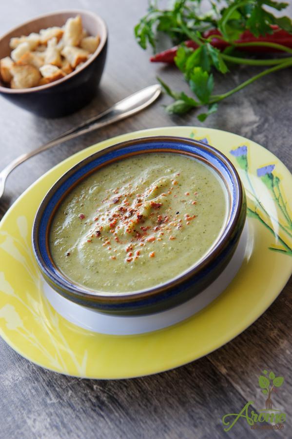 Supa crema de broccoli si dovlecel