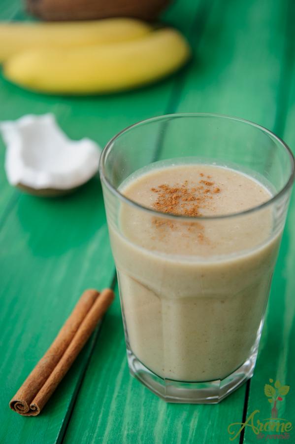 banane, smoothie, cremos, maca, scortisoara, apa de cocos