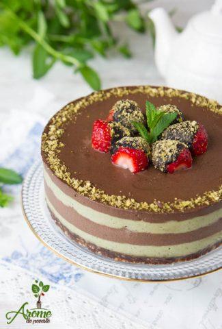 tort-raw-cu-ciocolata-si-menta